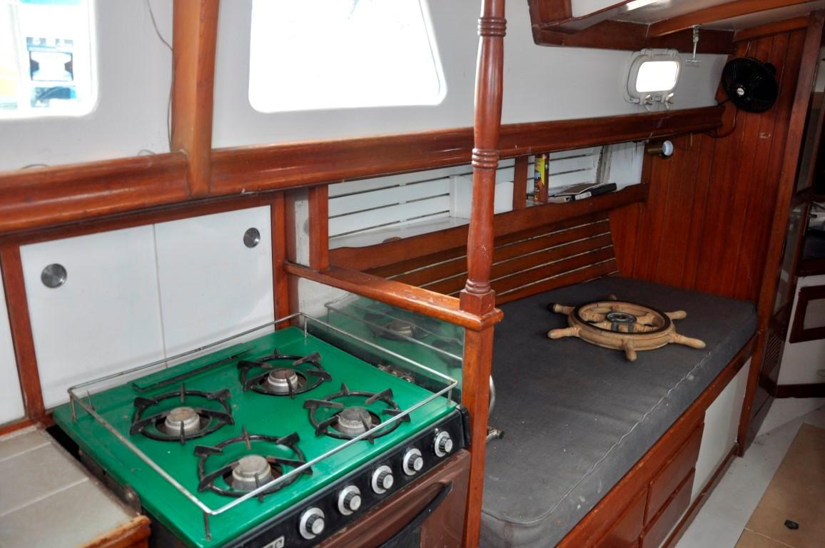 31' Mariner Ketch+Photo 9