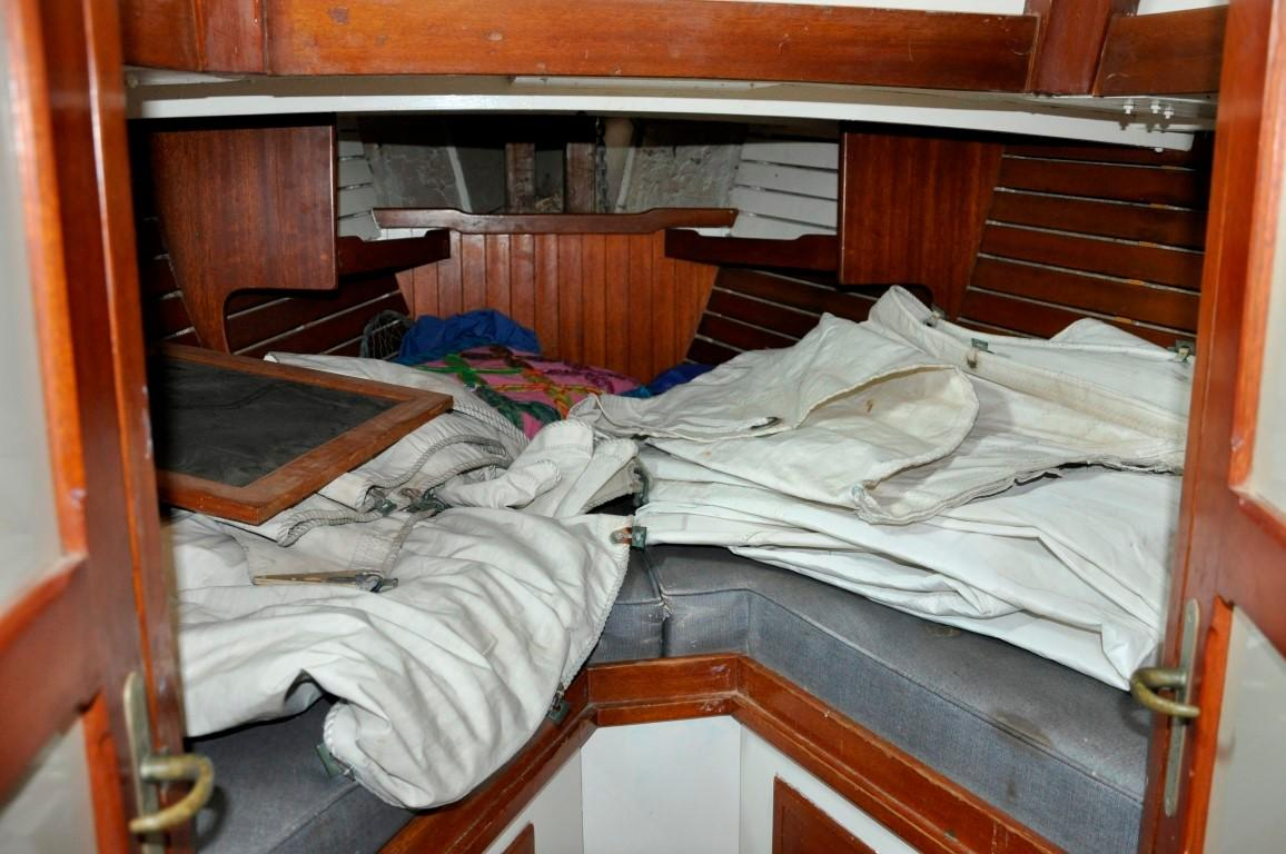 31' Mariner Ketch+Photo 20