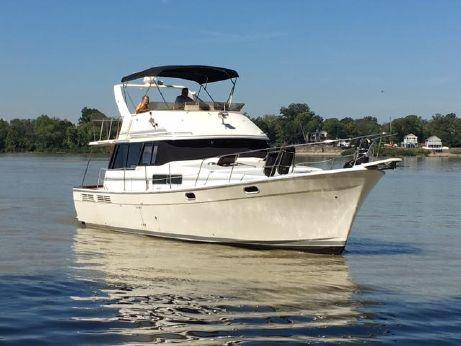 bayliner 3888 motoryacht boats for sale yachtworld. Black Bedroom Furniture Sets. Home Design Ideas