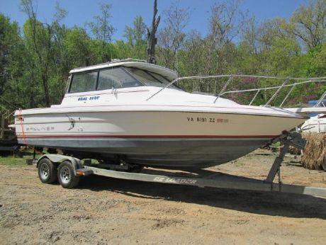 1990 Bayliner 2459 Trophy