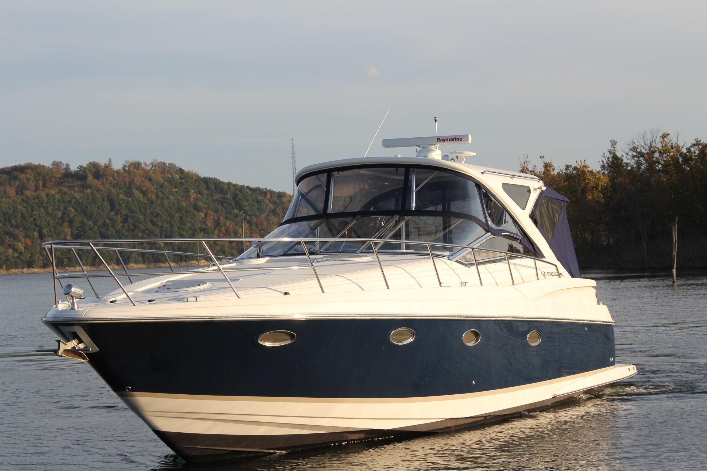 Table Rock (MO) United States  city photos gallery : 2008 Regal 4060 Commodore IPS Power Boat For Sale www.yachtworld.com