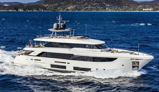 2018 Custom Line Navetta 33