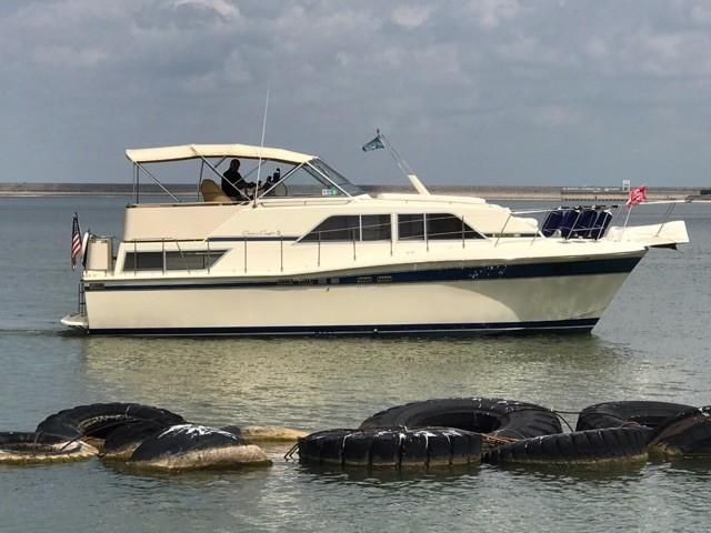 1984 chris craft 381 catalina power boat for sale www for Chris craft boat club