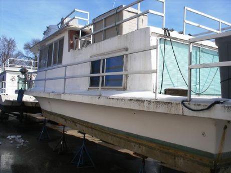 1974 Gibson Houseboat 36
