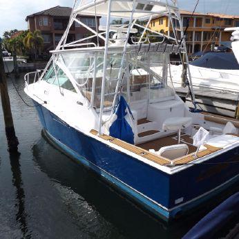 2003 Cabo Yachts 35 Express
