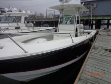 1999 Regulator 26 Center Console FS