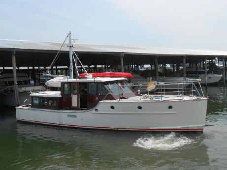2005 Sterling Atlantic Yachts Commuter Style Motor Yacht