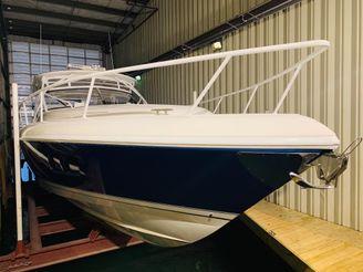 thumbnail photo 1: 2017 Intrepid 475 Sport Yacht