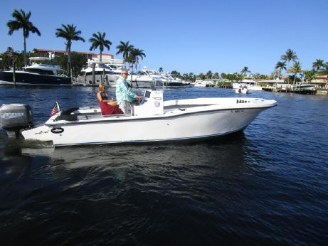 1990 Dusky 23 center console