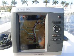photo of  Dusky 23 center console