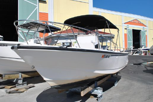 1995 Boston Whaler 240 Outrage