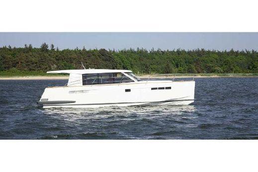 2010 Fjord 40' Cruiser.