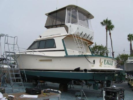 1990 Pacemaker Custom Enclosed Flybridge
