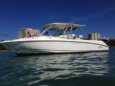 2005 Boston Whaler 320 Outrage Cuddy Cabin