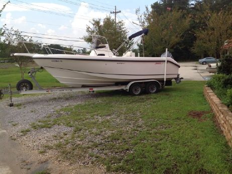 1999 Boston Whaler 230 Outrage