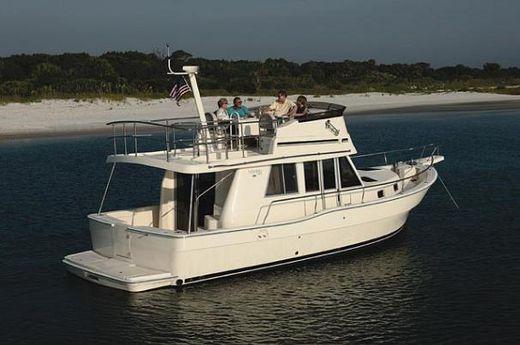 2005 Mainship 39 Trawler