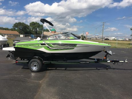 2017 Regal 1900 ESX Bowrider