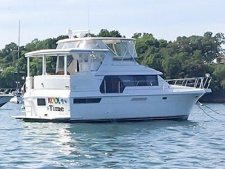 1996 Carver Yachts 440 AFT CABIN