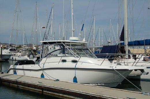 2005 Boston Whaler Conquest 305