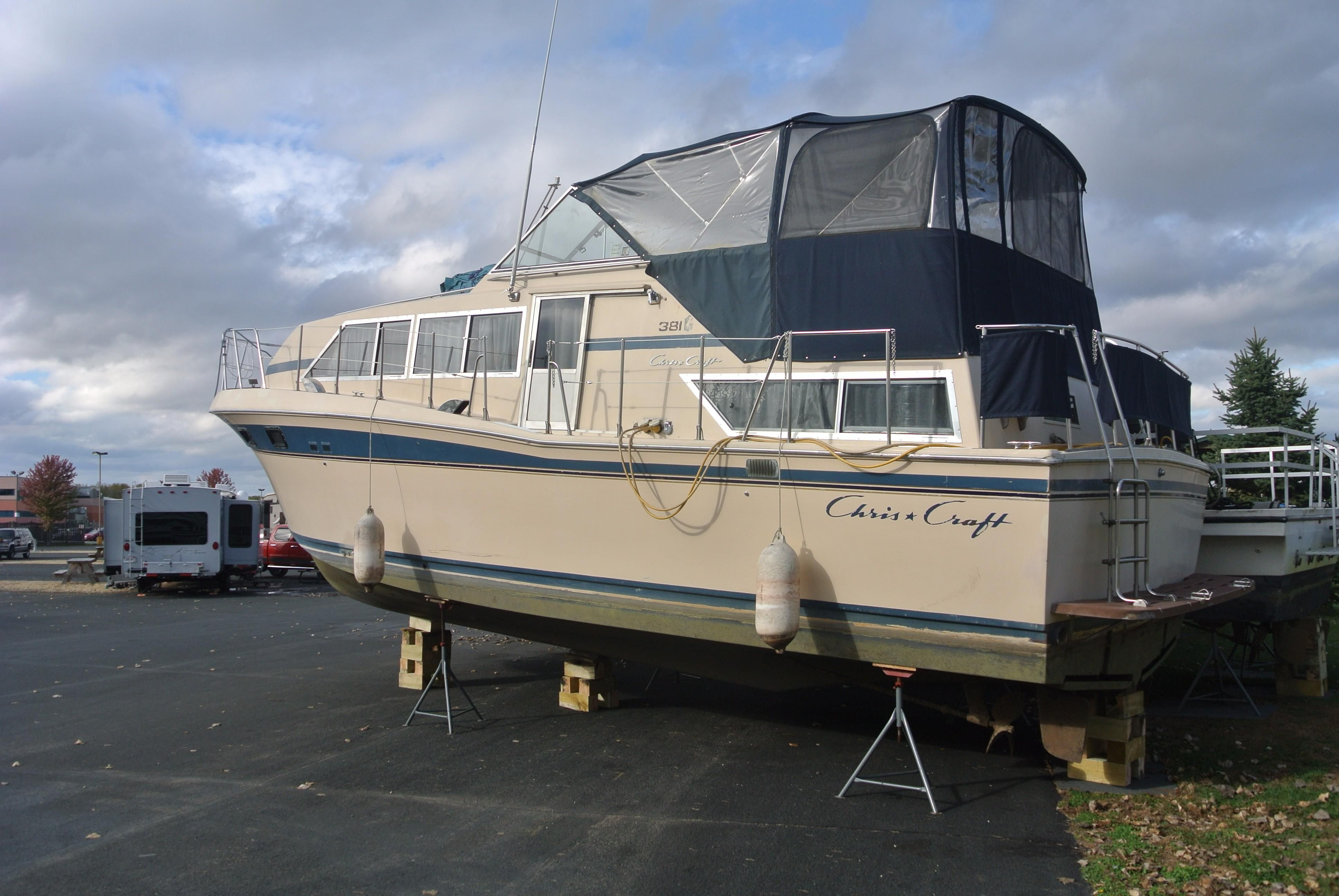 1982 Chris-Craft 381 Catalina Power Boat For Sale - www.yachtworld.com