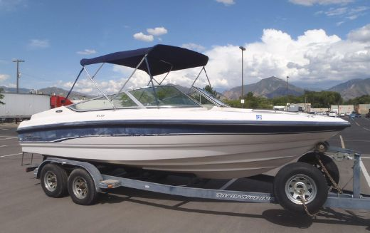 1996 Chaparral 2130 SS Bowrider
