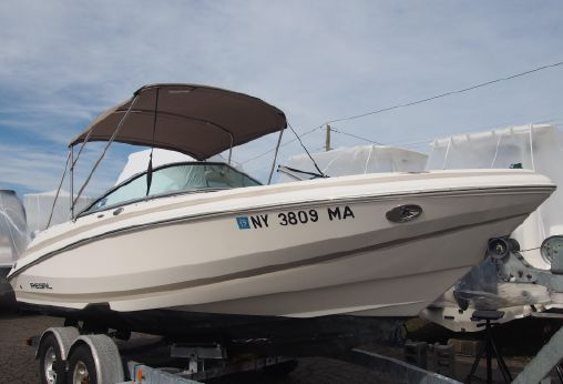 2004 Regal 2000 Bowrider