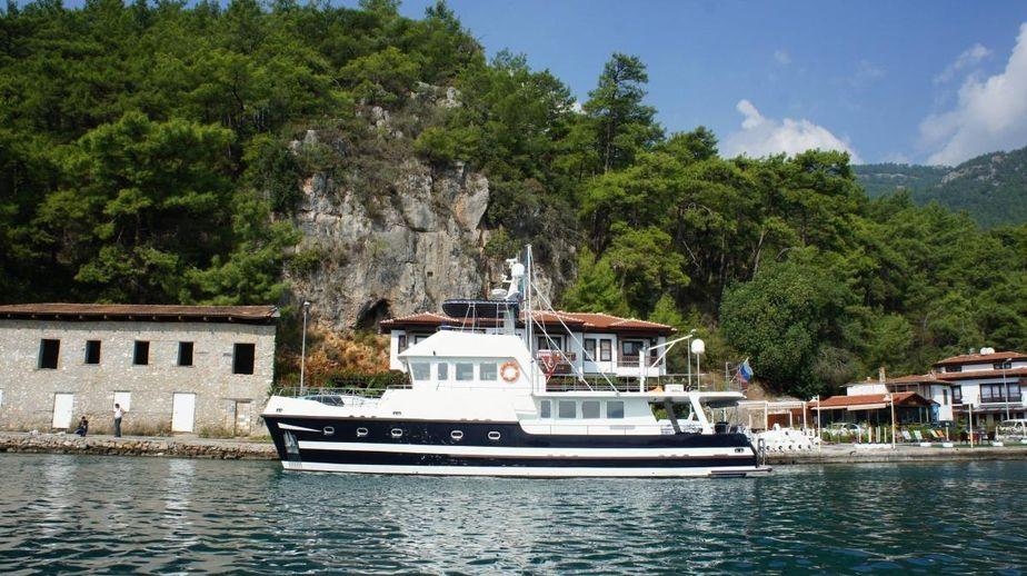 2011 custom built trawler