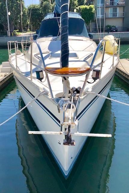 1990 Hunter Passage 42' - Center Cockpit Sail Boat For Sale -