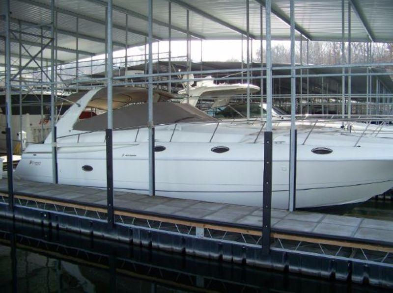 Ozark (MO) United States  City new picture : 2001 Cruisers Yachts 4270 Express Power Boat For Sale www.yachtworld ...