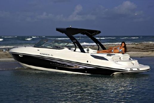 2015 Rinker 276 Captiva Cuddy