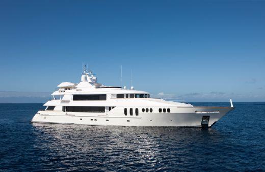 2002 Trinity Motoryacht