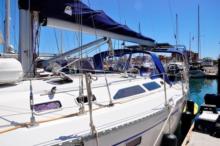 40' Catalina 400-2+Photo 36