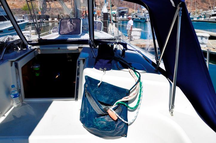 40' Catalina 400-2+Photo 23