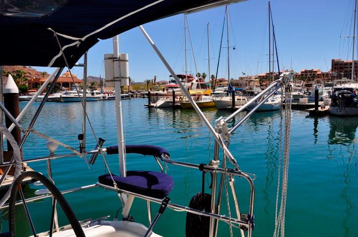 40' Catalina 400-2+Photo 26
