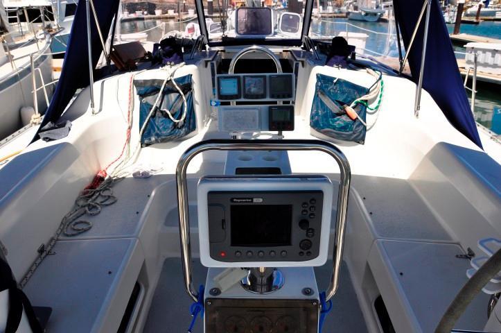 40' Catalina 400-2+Photo 21