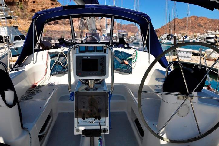 40' Catalina 400-2+Photo 22