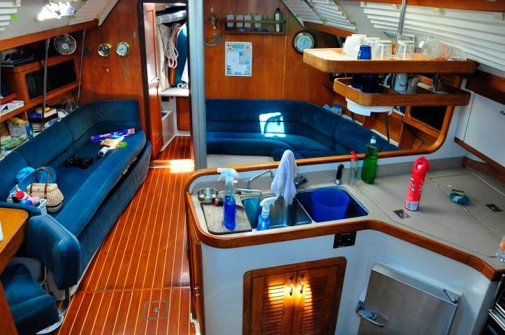 40' Catalina 400-2+Photo 3