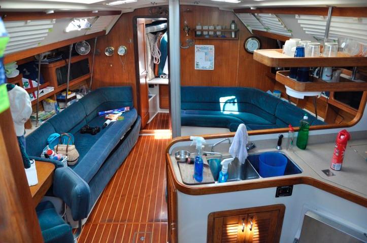 40' Catalina 400-2+Photo 4