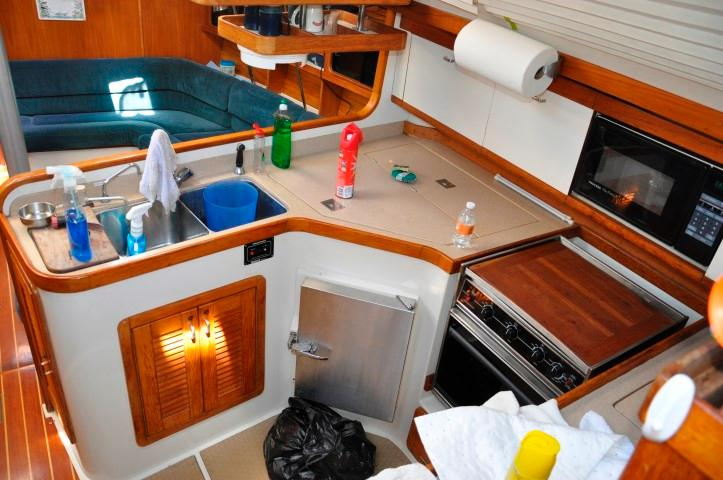 40' Catalina 400-2+Photo 7