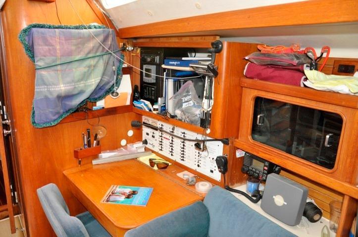 40' Catalina 400-2+Photo 11