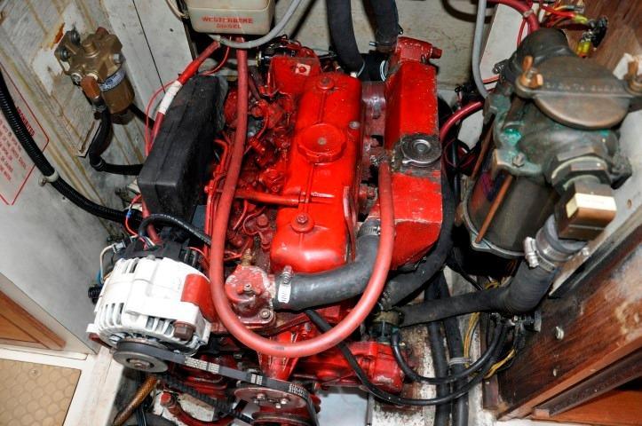 40' Catalina 400-2+Photo 44