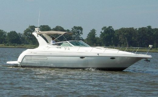 2000 Cruisers Yachts 3575 Express