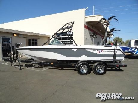 2001 Correct Craft Super Air Nautique