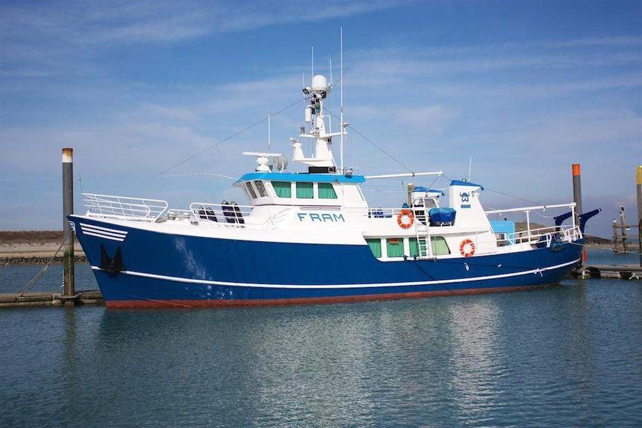 1980 pieter beeldsnijder p. beeldsnijder trawler 2375