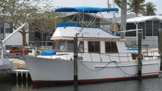 1987 Marine Trader DC