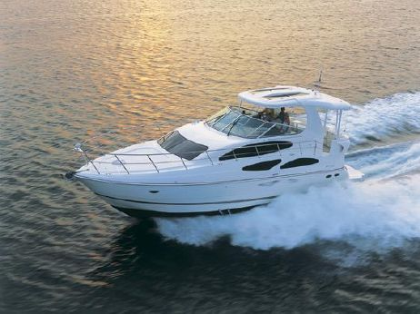 2005 Cruisers Yachts 455 Express Motoryacht