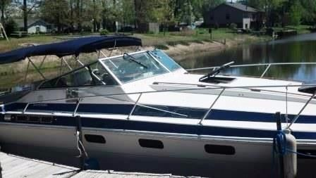 1982 Wellcraft 3100 Suncruiser