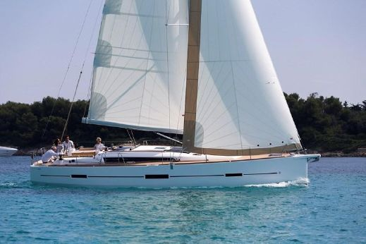 2016 Dufour Yachts 460 Grand Large (NEW)