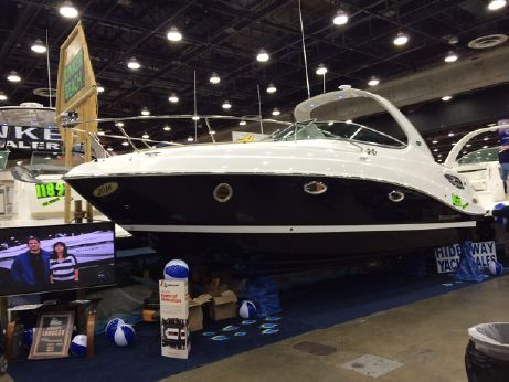 2015 Rinker 290 Express Cruiser