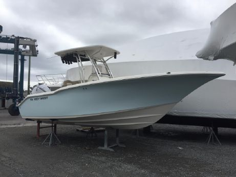 2016 Key West 244 Center Console